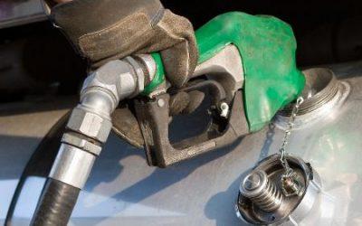 Petrobras baixou preço da gasolina em 30,1%, mas desconto não chegou a postos.