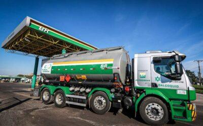 Petrobras aumenta preço da gasolina e do diesel.
