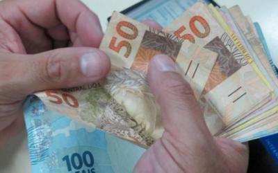 Salário mínimo 2022 recebe nova previsão de valor com possível alta na inflação